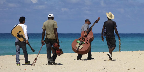 image for article Oye! Auresia heads to Cuba to Record!